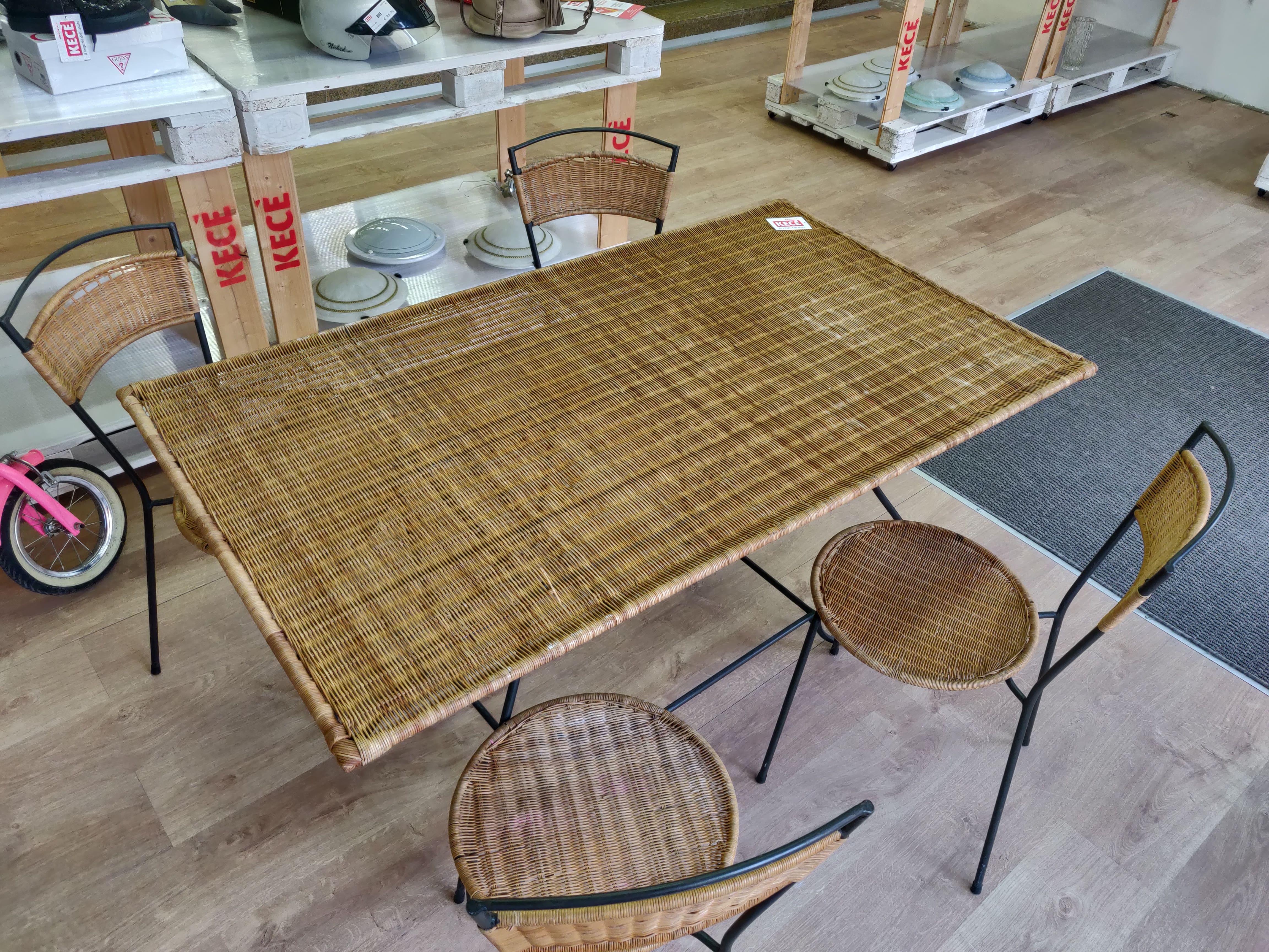 Tavolo Con Sedie Da Giardino Terni Kece